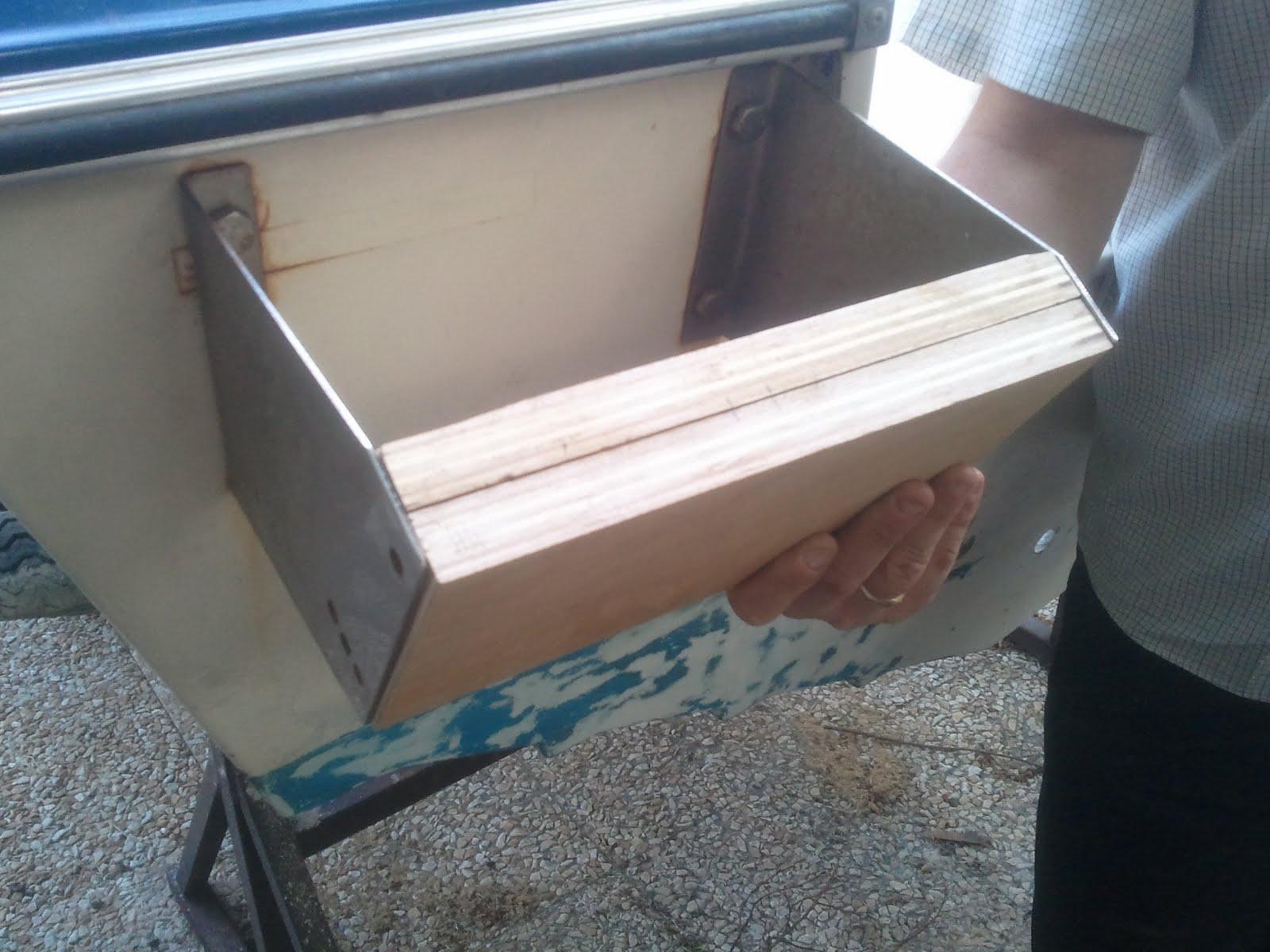 restauration bateau riamar 490 evinrude 60 vro support moteur de secours pon age gel coat. Black Bedroom Furniture Sets. Home Design Ideas