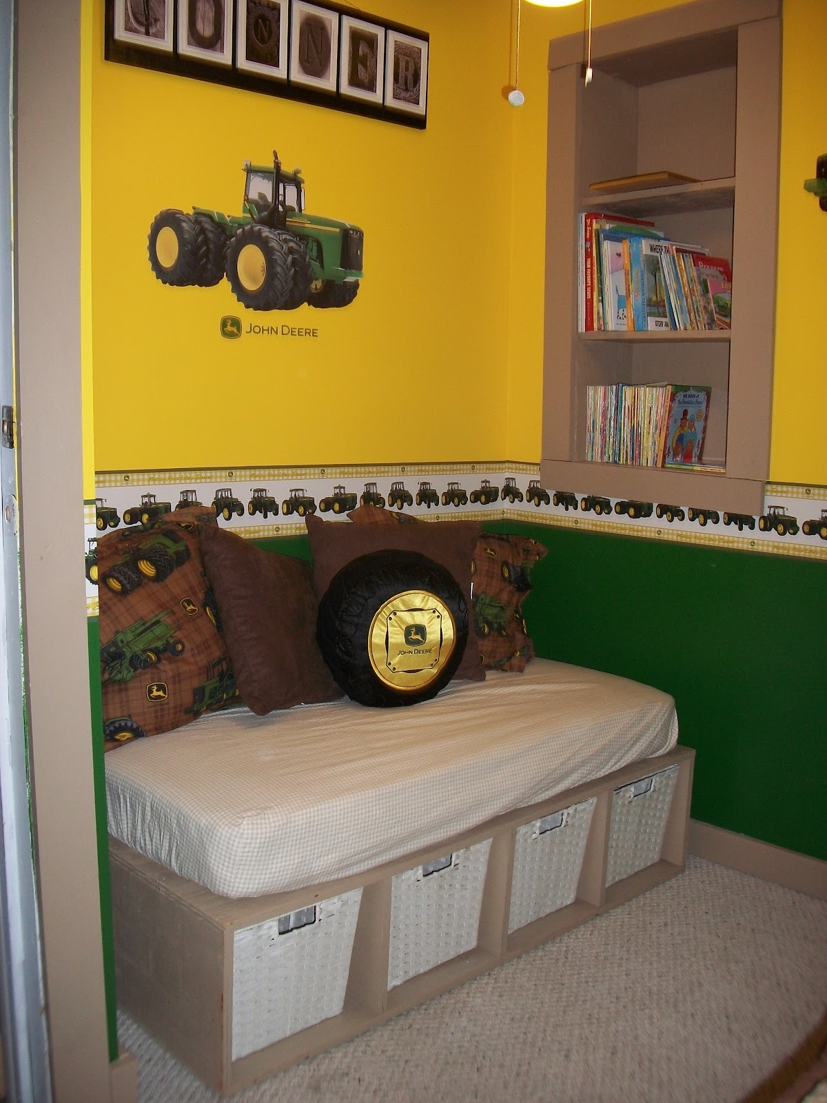 John Deere Room Paint Colors http://by-gods-grace-cat.blogspot.com/2012/08/john-deere-boys-room.html
