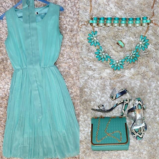 Instagram @lelazivanovic. Best summer looks. Mint dress. Mint outfit.