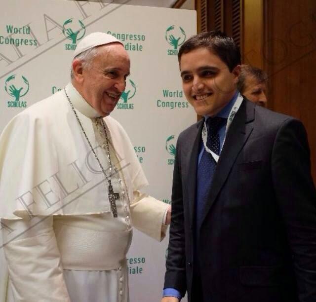 Filho de Florense participa de Congresso com o Papa