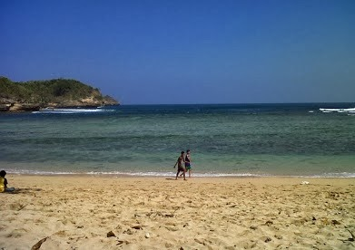 Visit to Malang : Ngliyep is Beautiful Beach