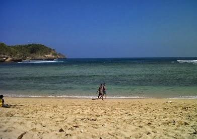 Visit to Malang : Ngliyep is Beautiful Beach