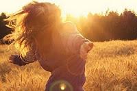 Quisiera saber el día en el que otra persona me enseñe otra forma de amar que no sea tan dolorosa.