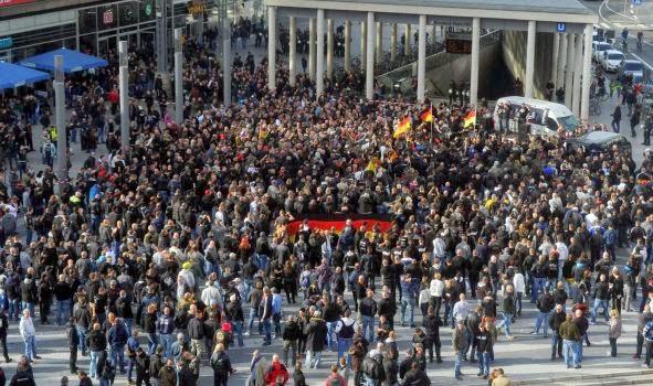 http://www.i24news.tv/en/news/international/europe/48770-141026-neo-nazis-police-clash-at-german-anti-islamist-rally