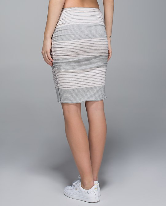 lululemon breezy skirt