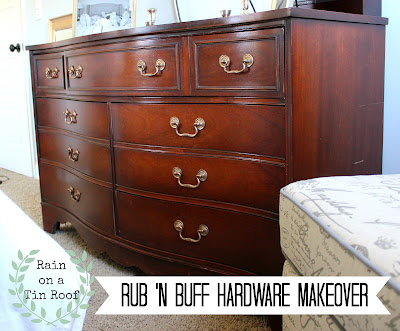 Rub 'N Buff Hardware Makeover {rainonatinroof.com} #makeover #hardware #gold #rubnbuff