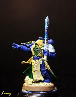 Detalle delantero de Turmiel de la caja de Warhammer 40000: Venganza Oscura