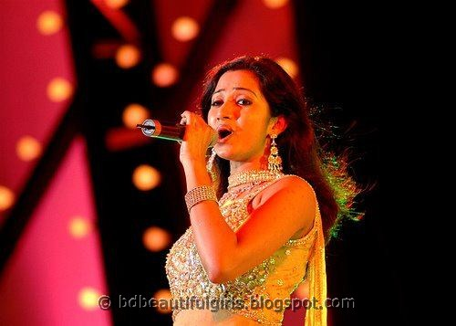 Shreya Ghoshal Sey Pictures
