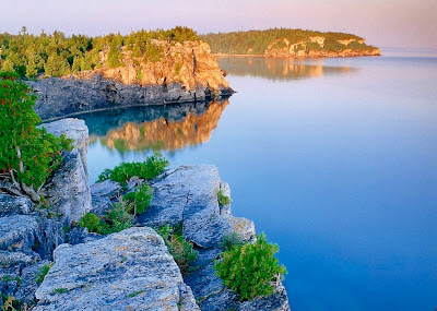 http://3.bp.blogspot.com/-87xa1w95mmg/TgzssC_-nsI/AAAAAAAAAFc/Spz-mNL8L5o/s1600/Lake+Baikal.jpg