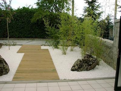 foto 6b jardin minimalista zen con piedras - frentes de casas
