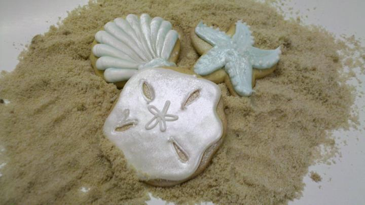 This Wedding also ordered Sea Shell Cookie Favors