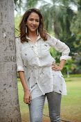 Lakshmi Manchu latest photo shoot gallery-thumbnail-13