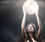 Nu plânge sub clar de lună