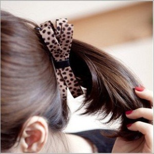 Bow Shaped Hair Clips