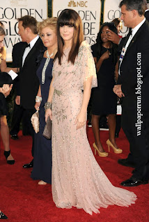 Sandra Bullock arrives at the 68th Annual Golden Globe Awards on January 16, 2011 in Beverly Hills