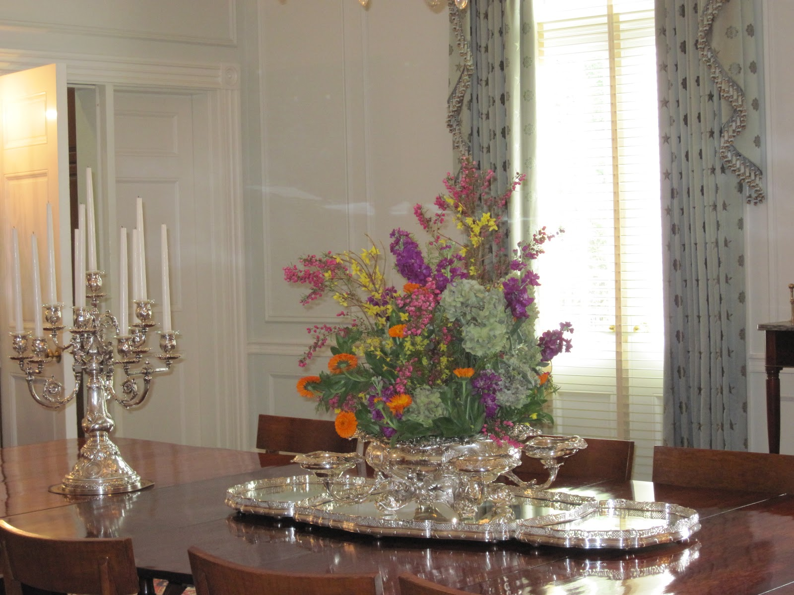 The next stop on our tour was the formal dining room. title=