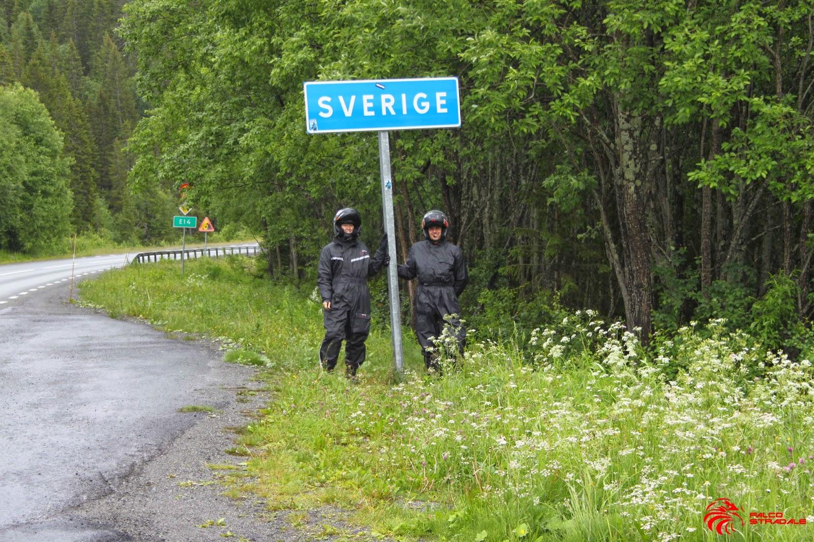 a la frontera con suecia paso que nos tomamos el tiempo de retratar adems una tregua que nos ha concedido la lluvia al cambiar de pas