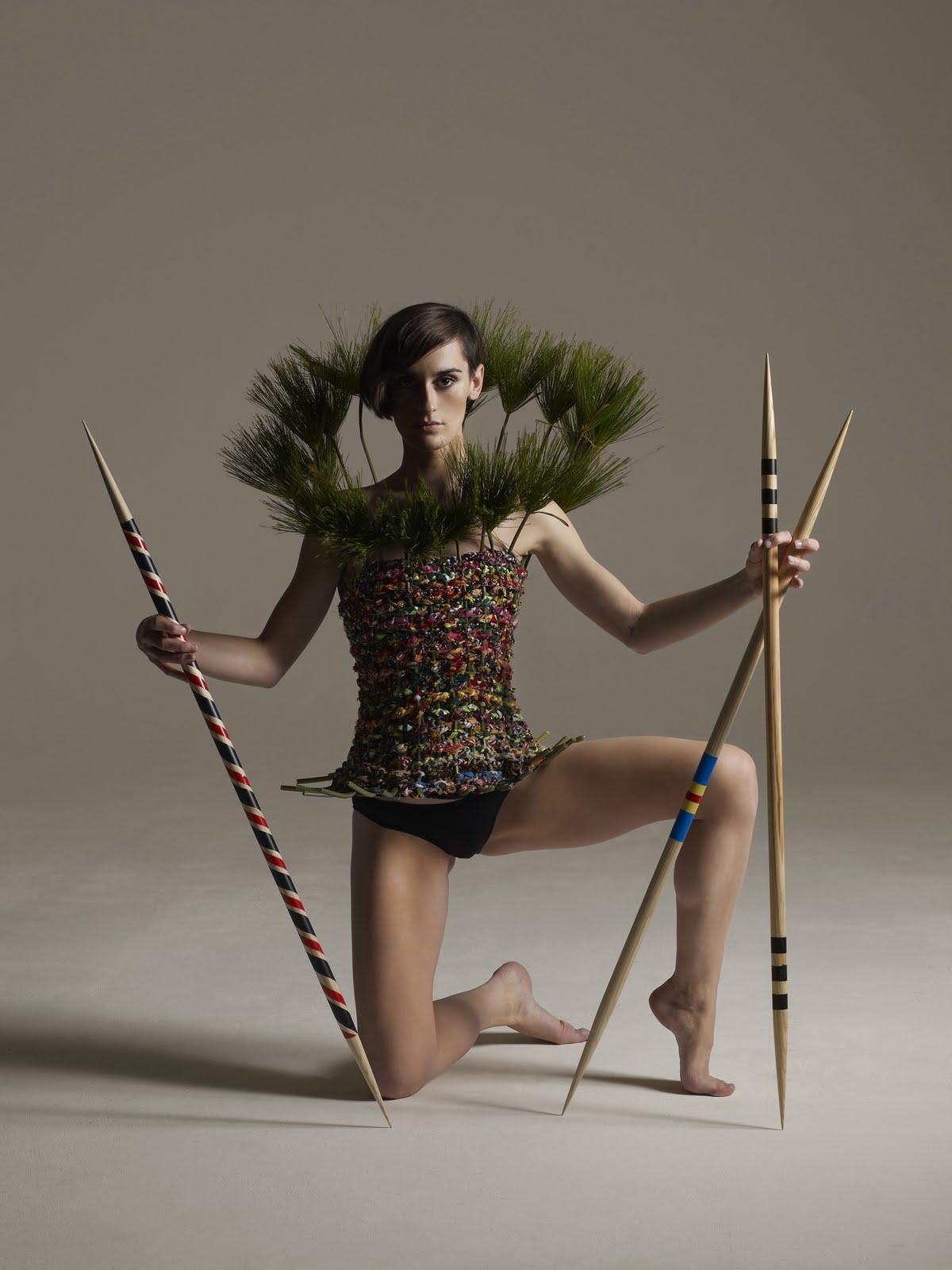 http://3.bp.blogspot.com/-88nmrz6qHSE/Ti2YvByi_fI/AAAAAAAABLk/LJLU9_4a7q4/s1600/Yelle+papyrus+with+sticks+%2528C%2529+GREGOIRE+ALEXANDRE.jpg