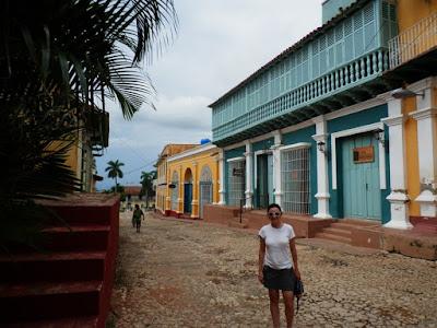 enlacima-de-paseo-por-trinidad-de-cuba-a-pie