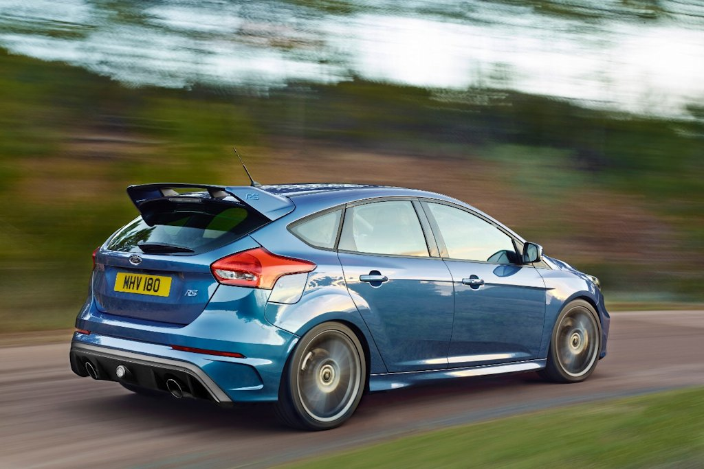 Ford focus rs goes global packs 320 horsepower ecoboost engine and all wheel drive carguide