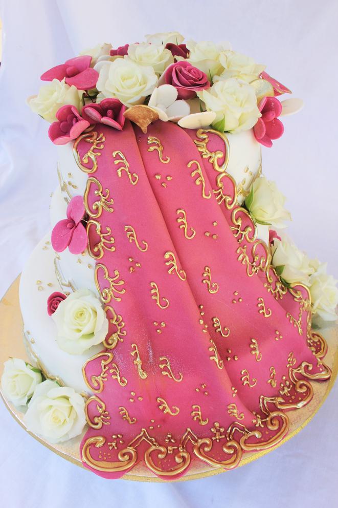 Cake Images In : Lulu Belle Cakes: Saree Wedding Cake