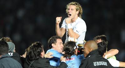 uruguay vs argentina copa america 2011,keputusan argentina vs uruguay,highlight goal uruguay vs argentina