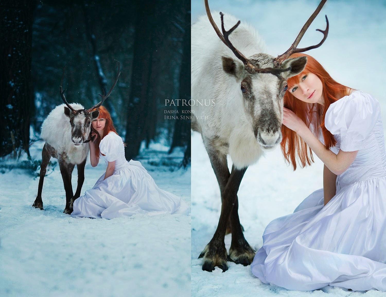fille rousse avec un renne par Dasha Kond
