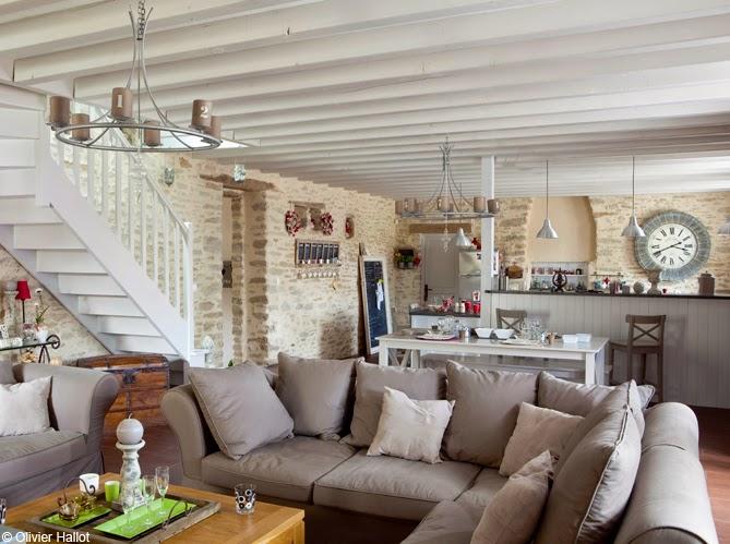 Ma maison au naturel une long re bretonne tout en blanc for Amenagement interieur longere
