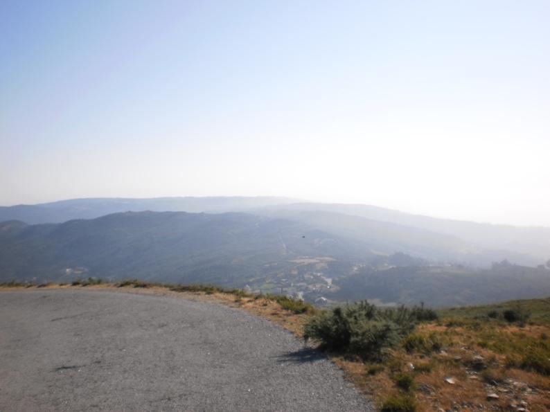 Vista para a aldeia da Felgueira no Sopé da Serra da Freita