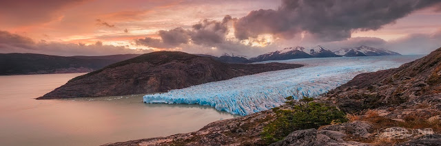 Panorama of Glaciar Grey at Sunset