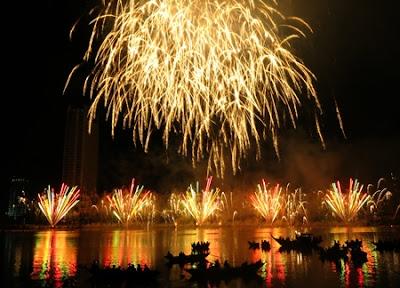 Closing Night of fireworks festival 2013 in Da Nang