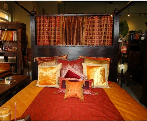 5 FACTS ABOUT THE CANOPY BEDS