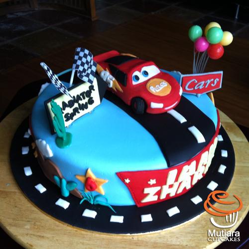 Mutiara Cupcake Cars 3 Cake