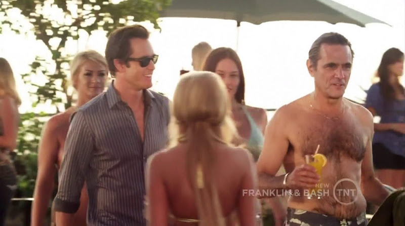 Robin Thomas Shirtless in Franklin and Bash s1e03