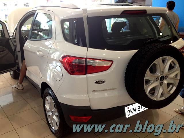 Novo Ford EcoSport 2013 - Estepe na traseira