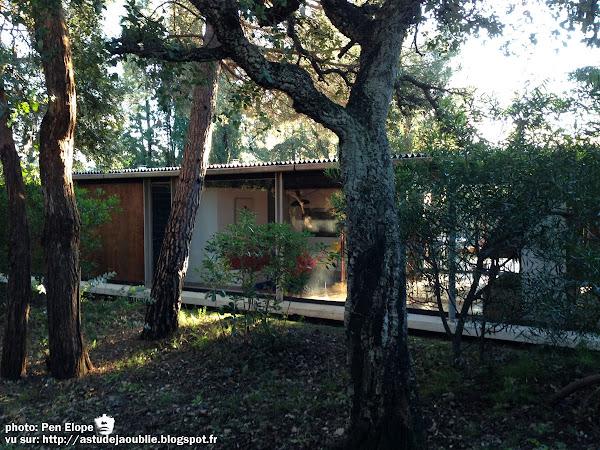 Grimaud,  domaine de Beauvallon - Villa Seynave  Architecte: Neil Hutchinson  Ingénieur: Jean Prouvé  Construction: 1961