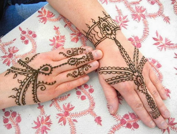 Mehndi simple mehndi patterns mehendi hands henna artwork for Simply simple