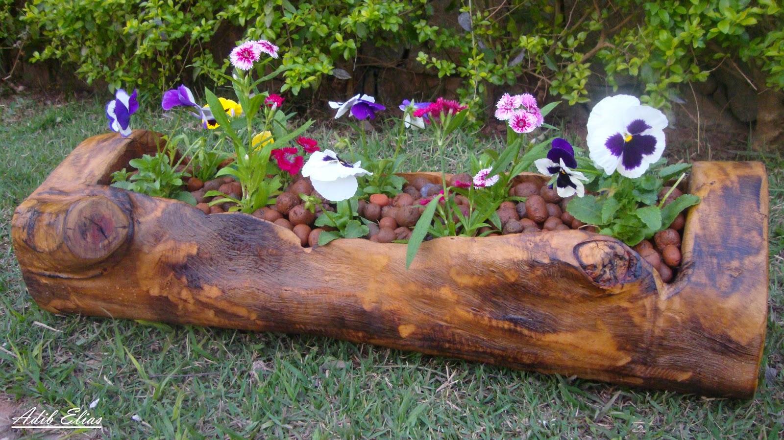 Troncos e raizes: Floreiras em troncos de madeira reciclada #936138 1600x899