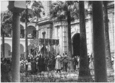 Macarena en Hospital Cinco Llagas (archivo Parlamento) - Sevilla