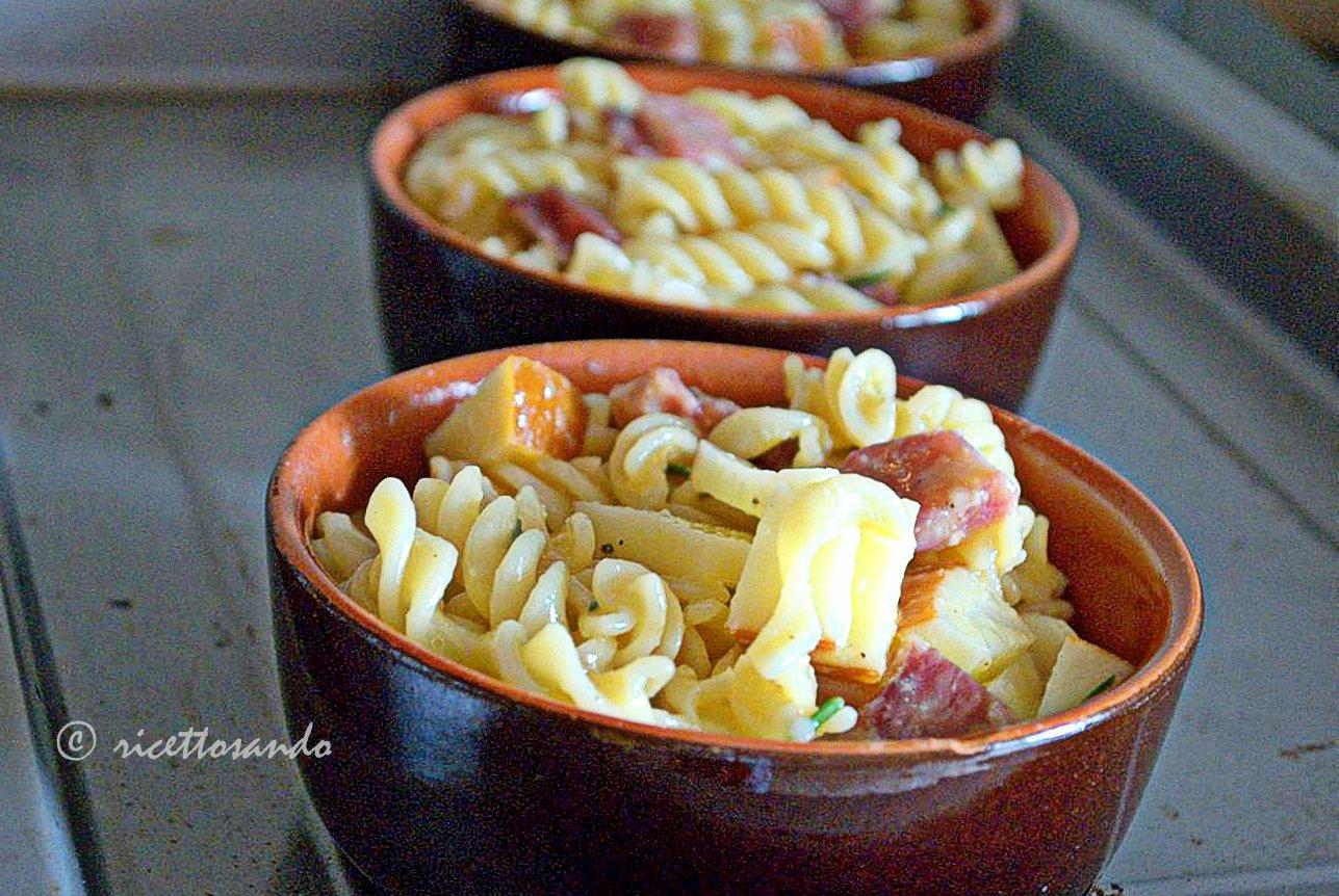 Pasta pasticciata con salame e provola ricetta primi piatti