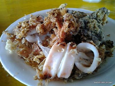Makan sotong celup tepung di kg tok jembal terengganu bersama adibahkarimah premium beautiful agent