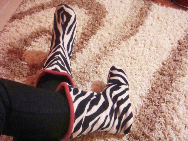 twiggy 2014 ev botları, desenli ev botları, pembe ev botları, çizgili ev botları, pelüş ev botları