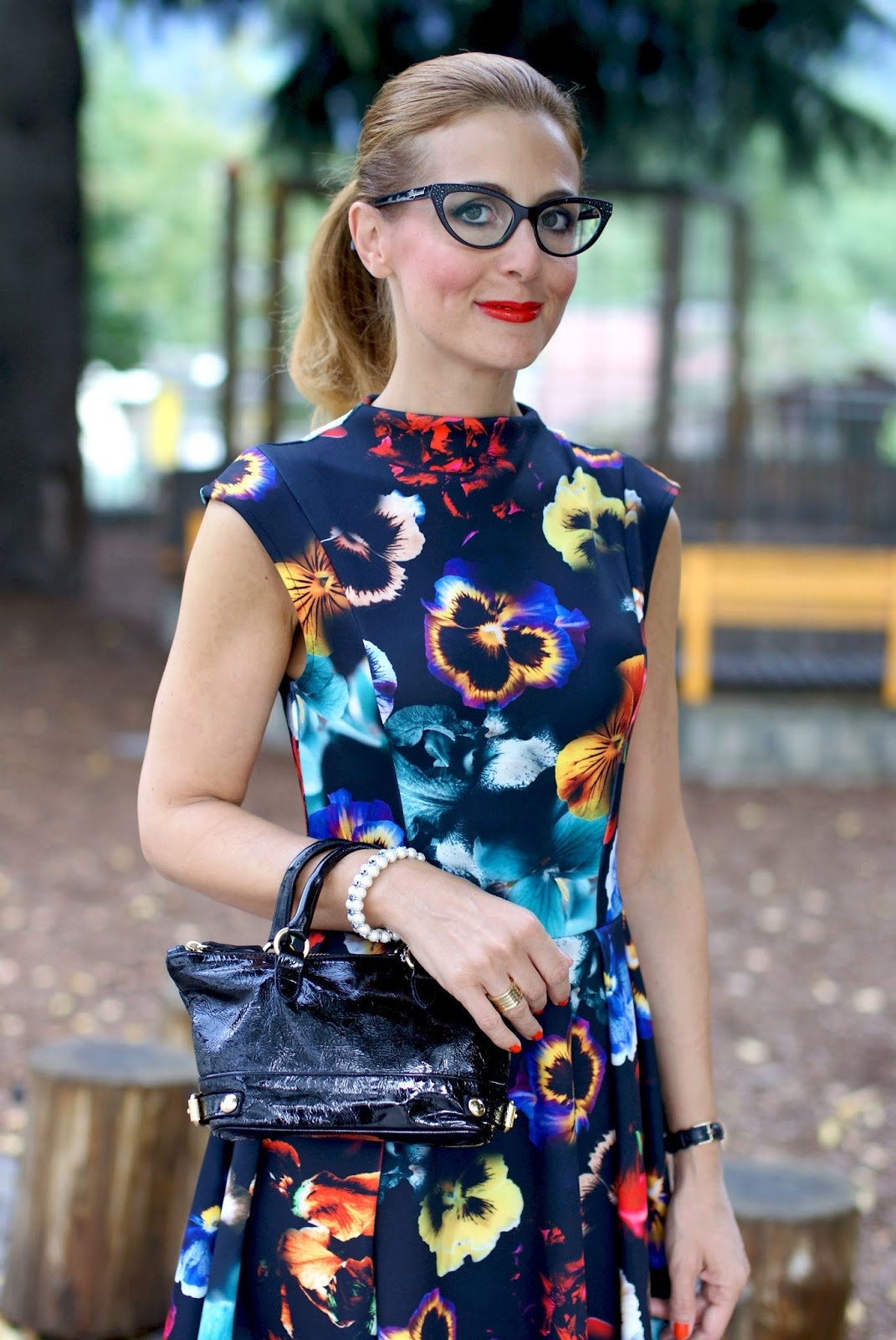 Cat eye prescription glasses, DSquared2 eyeglasses on Fashion and Cookies fashion blog, fashion blogger wearing eyeglasses