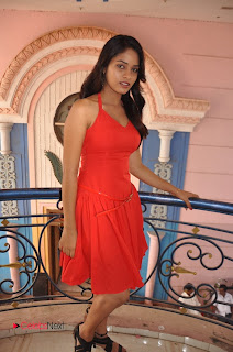 Adhu Vera Idhu Vera Tamil Movie Actress Sania Picture Gallery 0004