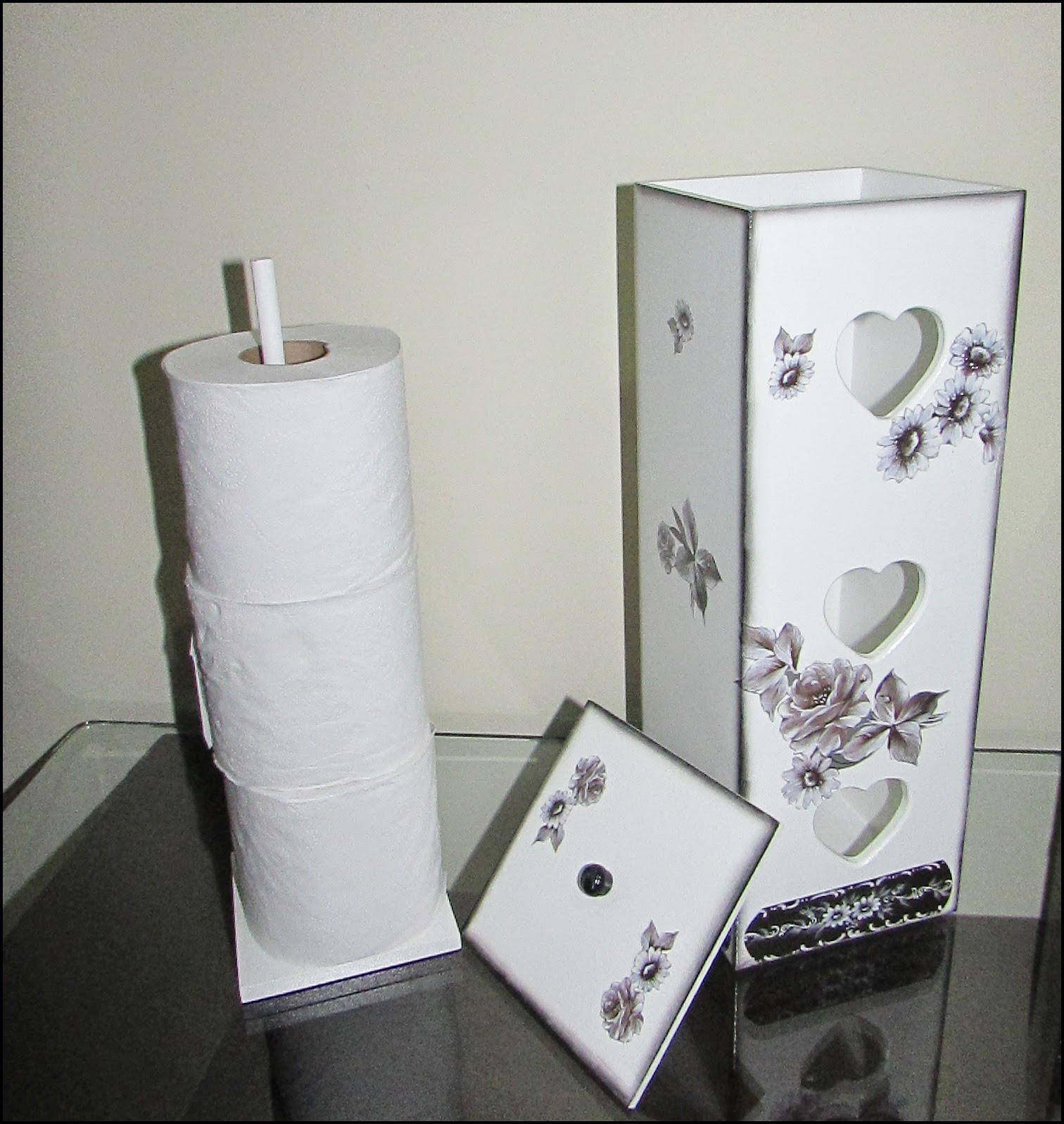 Tutti Belli Artesanatos Kit Banheiro Porta papel higiênico e Lixeira, em md -> Kit Banheiro Mdf Decorado