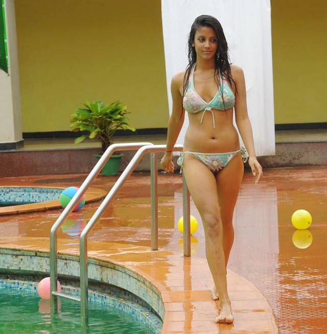 rithika sood in bikini actress pics