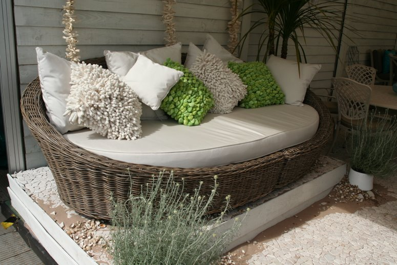 Love Quotes: 10 Cool And Modern Garden Furniture 2014