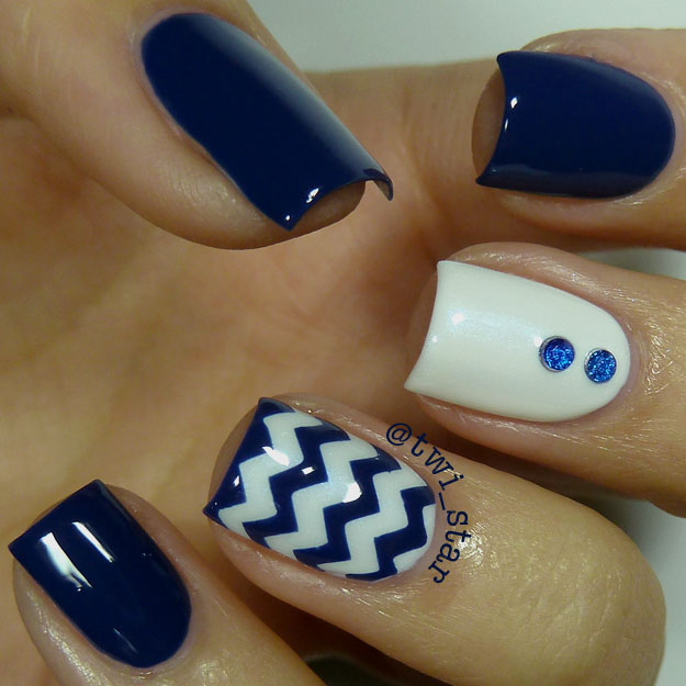 Twi star nail art blog julep briana and dana blue and white twi star nail art blog julep briana and dana blue and white chevron nail art prinsesfo Choice Image