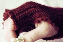 Runrig Muffatees free knitting pattern