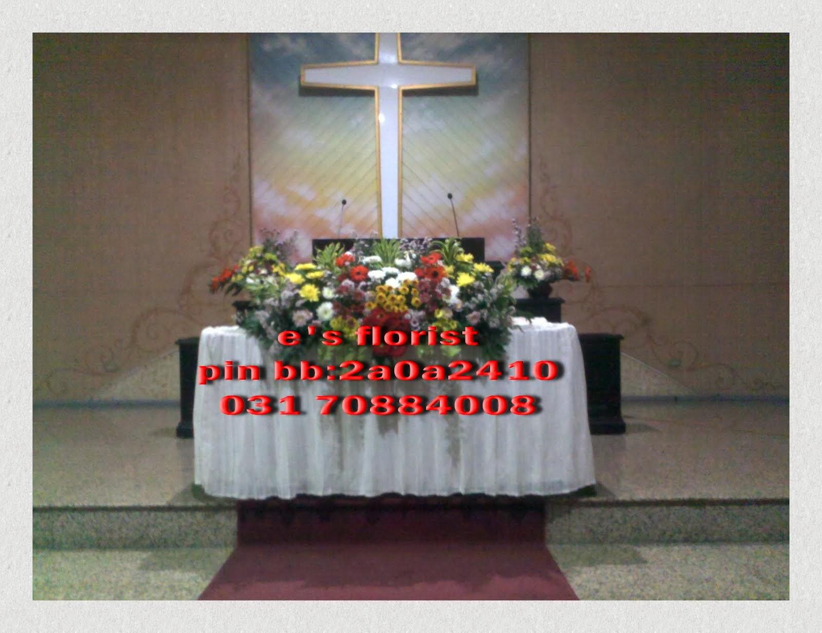 rangkaian bunga altar